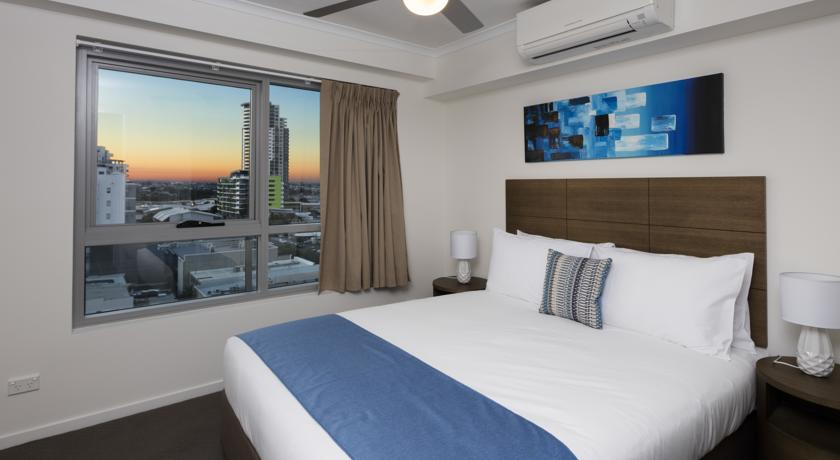 Direct Hotels - Governor on Brookes - 1 Bedroom Apartment Bedroom