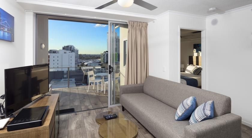 Direct Hotels - Governor on Brookes - 1 Bedroom Apartment Living Room