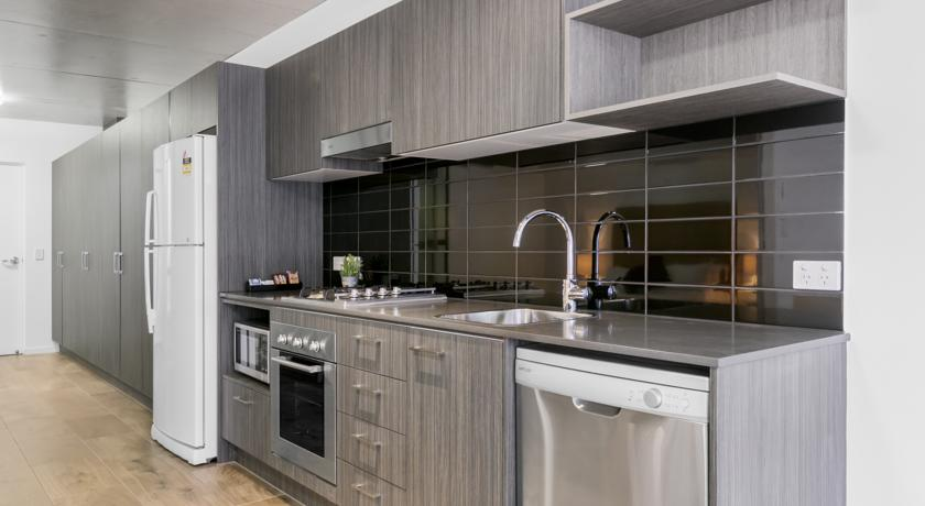 Direct Hotels - Pavilion on Brookes - Apartment Kitchen